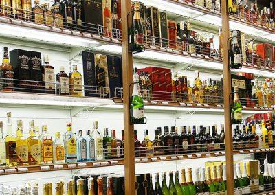 Regał na alkohol